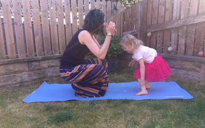 Outdoor Baby and Toddler Yoga by Diddly Oms